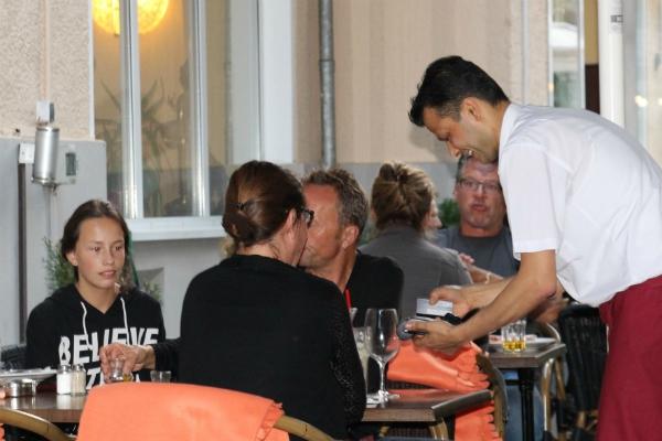 yak-und-yeti-restaurant-dienst
