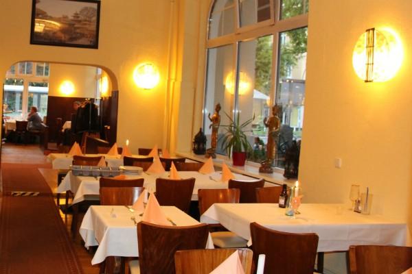 mitte-restaurant-yak-und-yeti